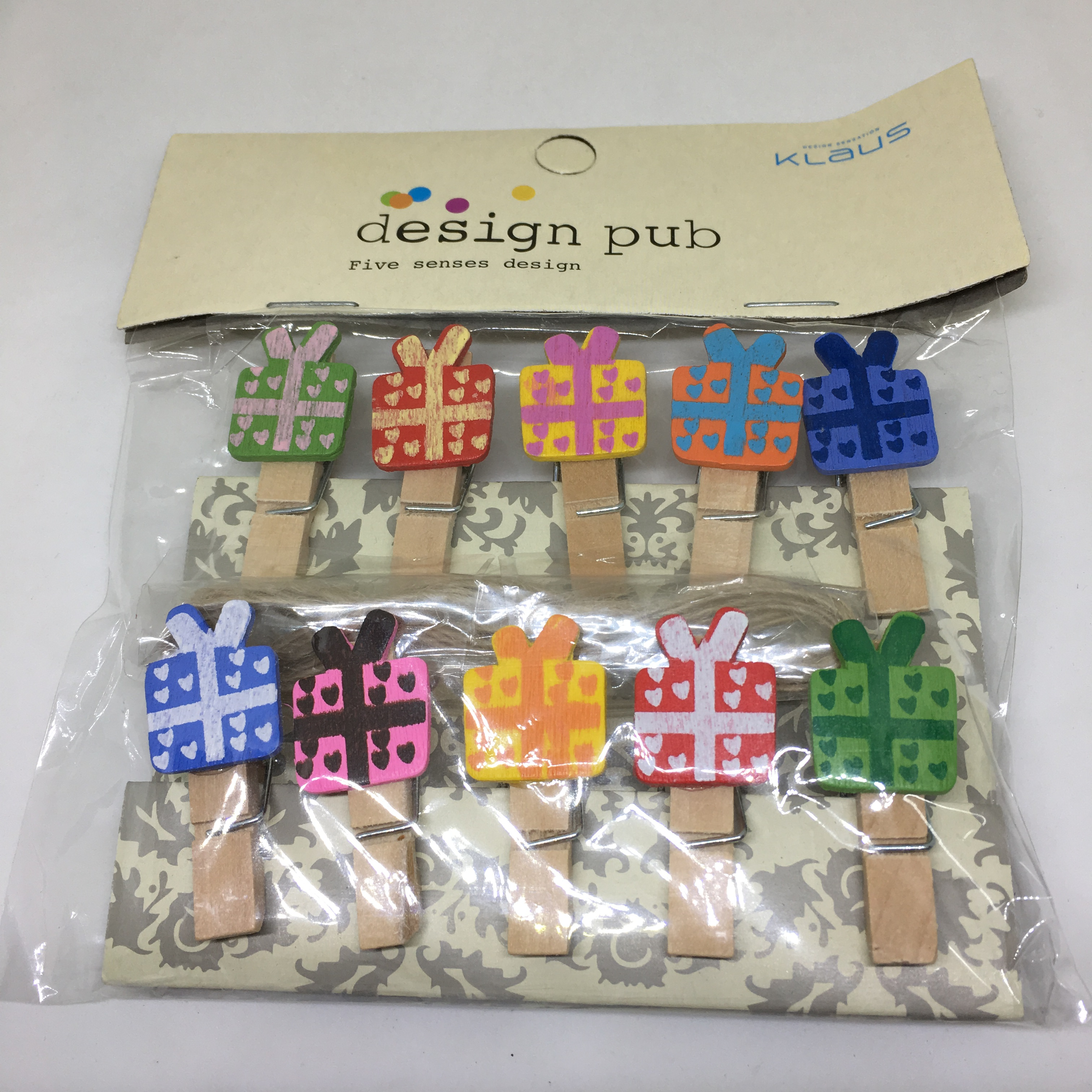 Mini Wooden Pegs With Rope Mini Gift Box Design