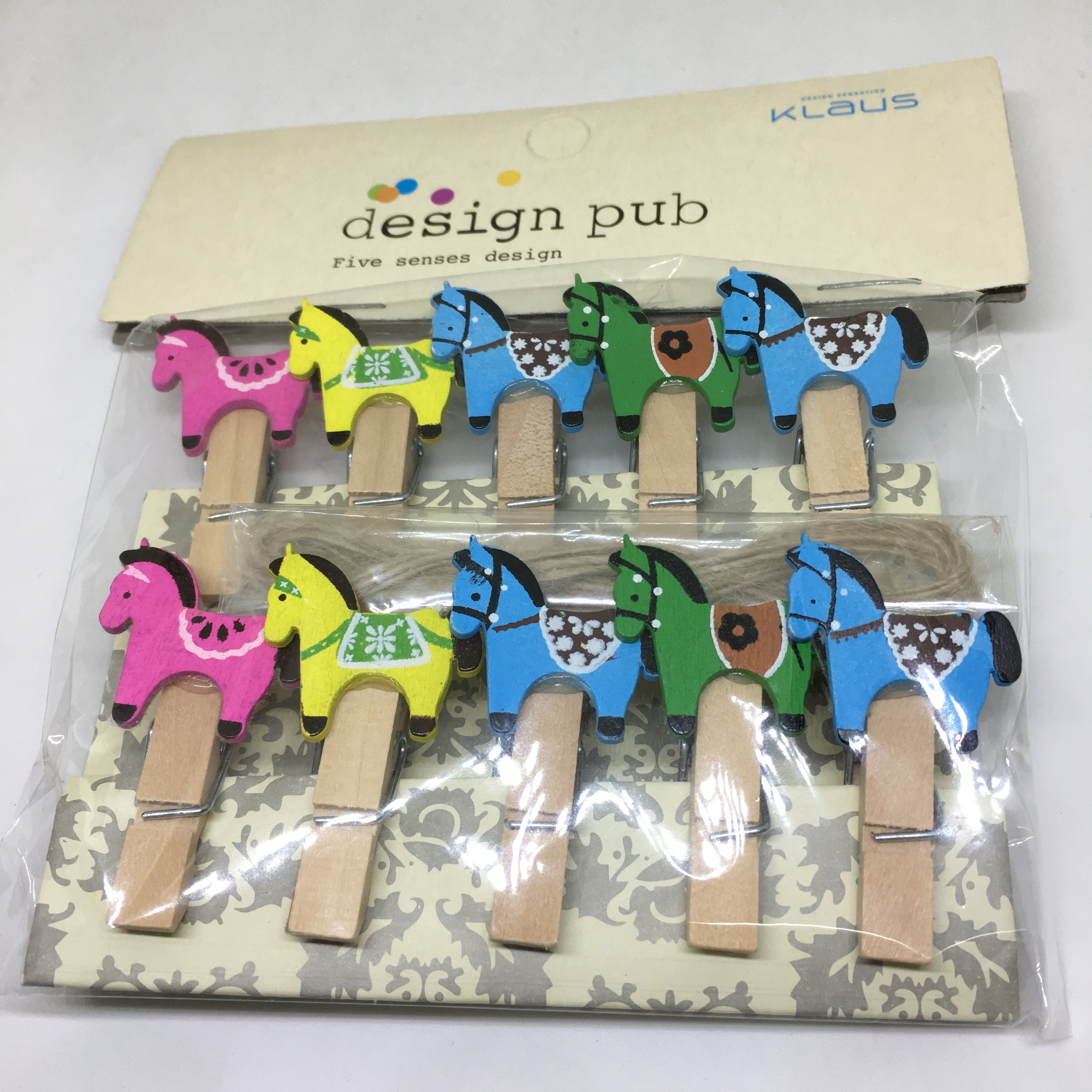 Mini Wooden Pegs With Rope Mini Horse Design